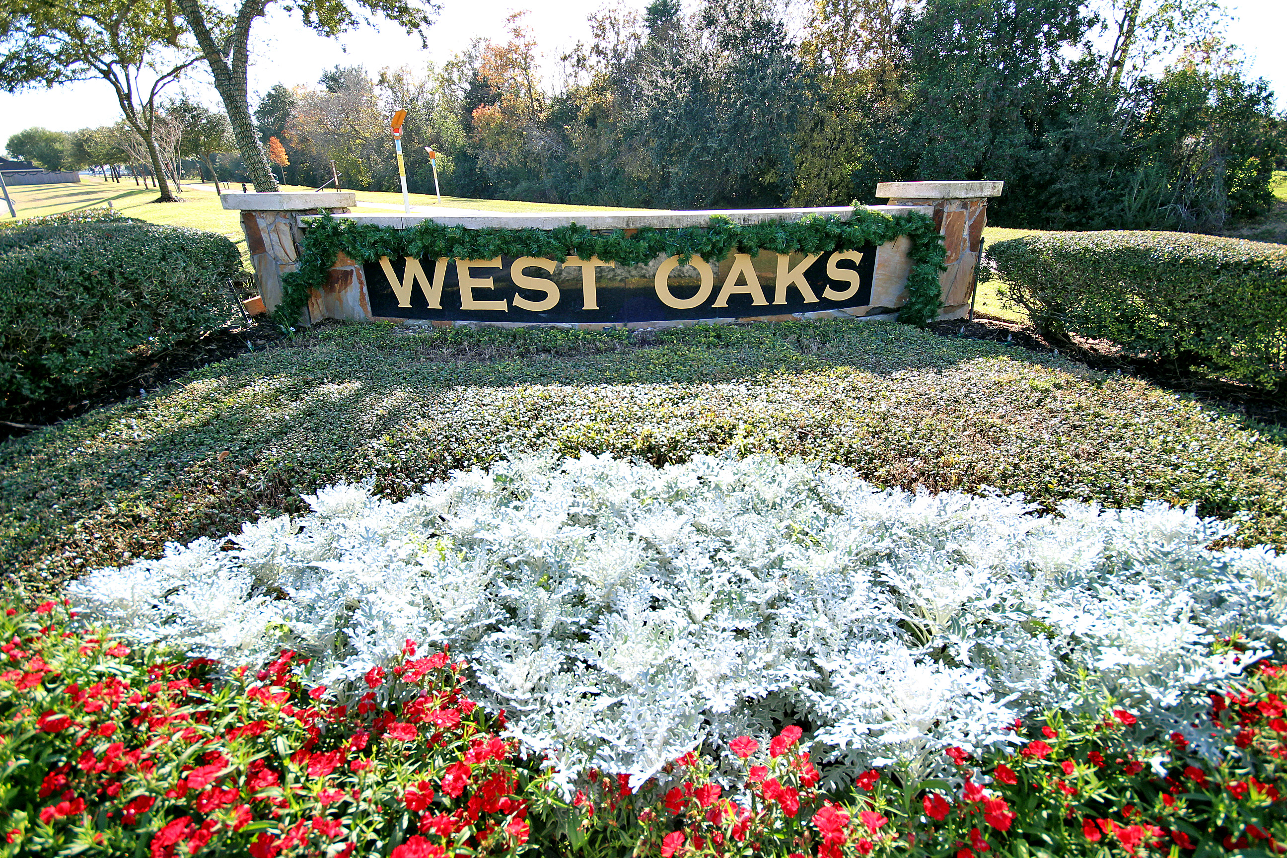 West Oaks Entry