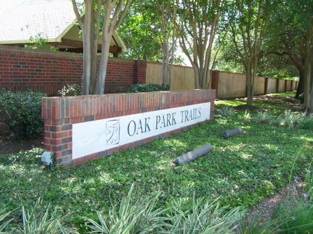 oak park trails sign