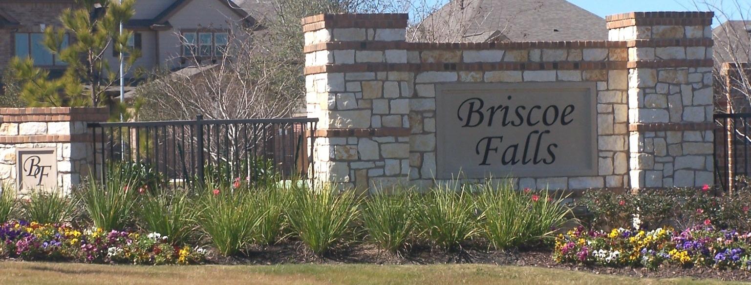 Briscoe Falls sign