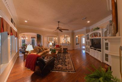 38 Westlyn - Living Room