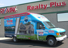 RE/MAX Realty Plus Moving Truck