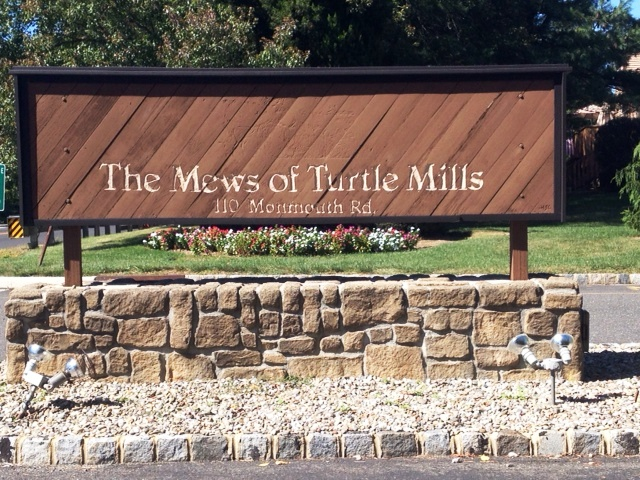 The Mews of Turtle Mills sign