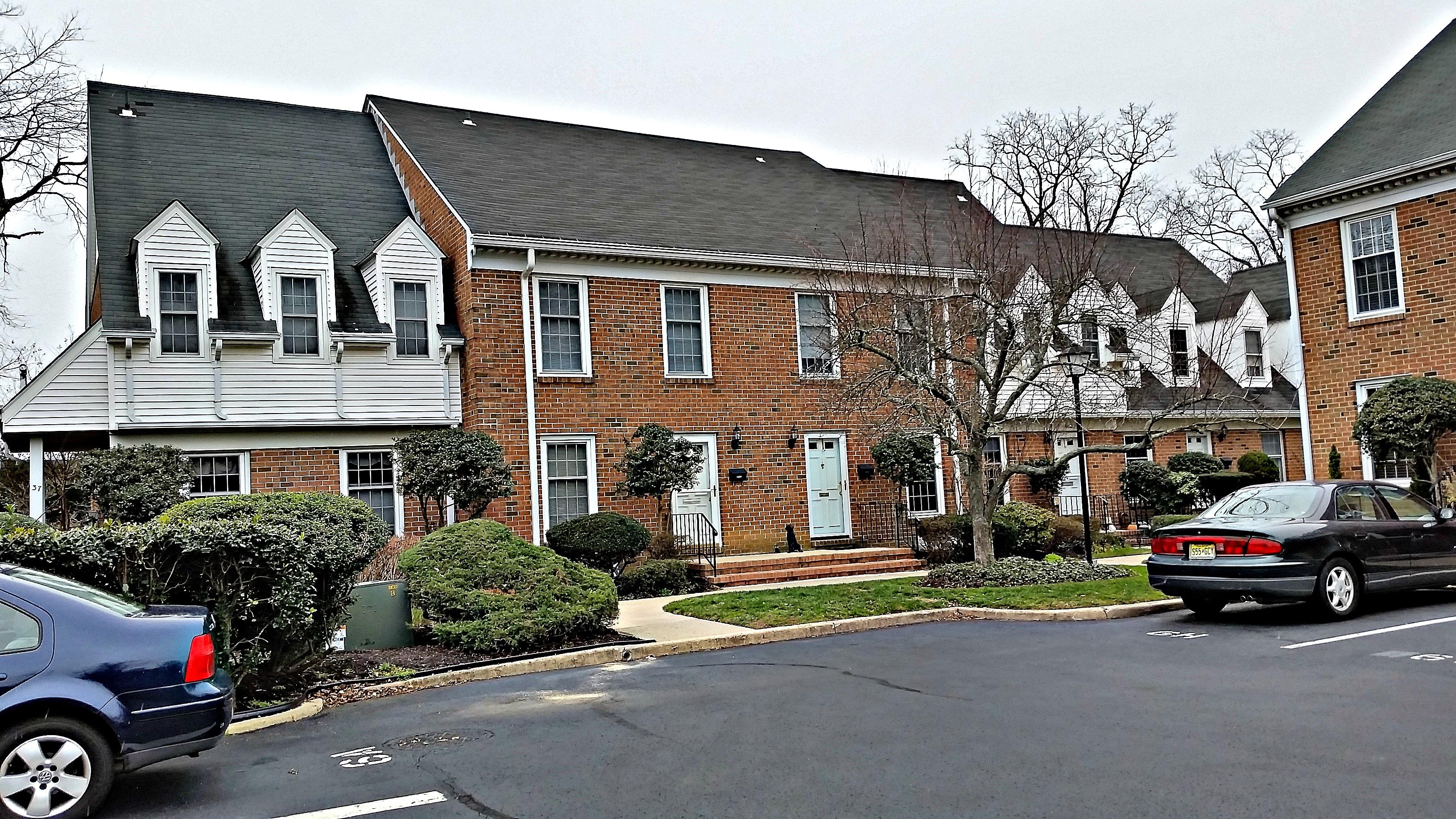 Wyckham Manor Condominium Unit