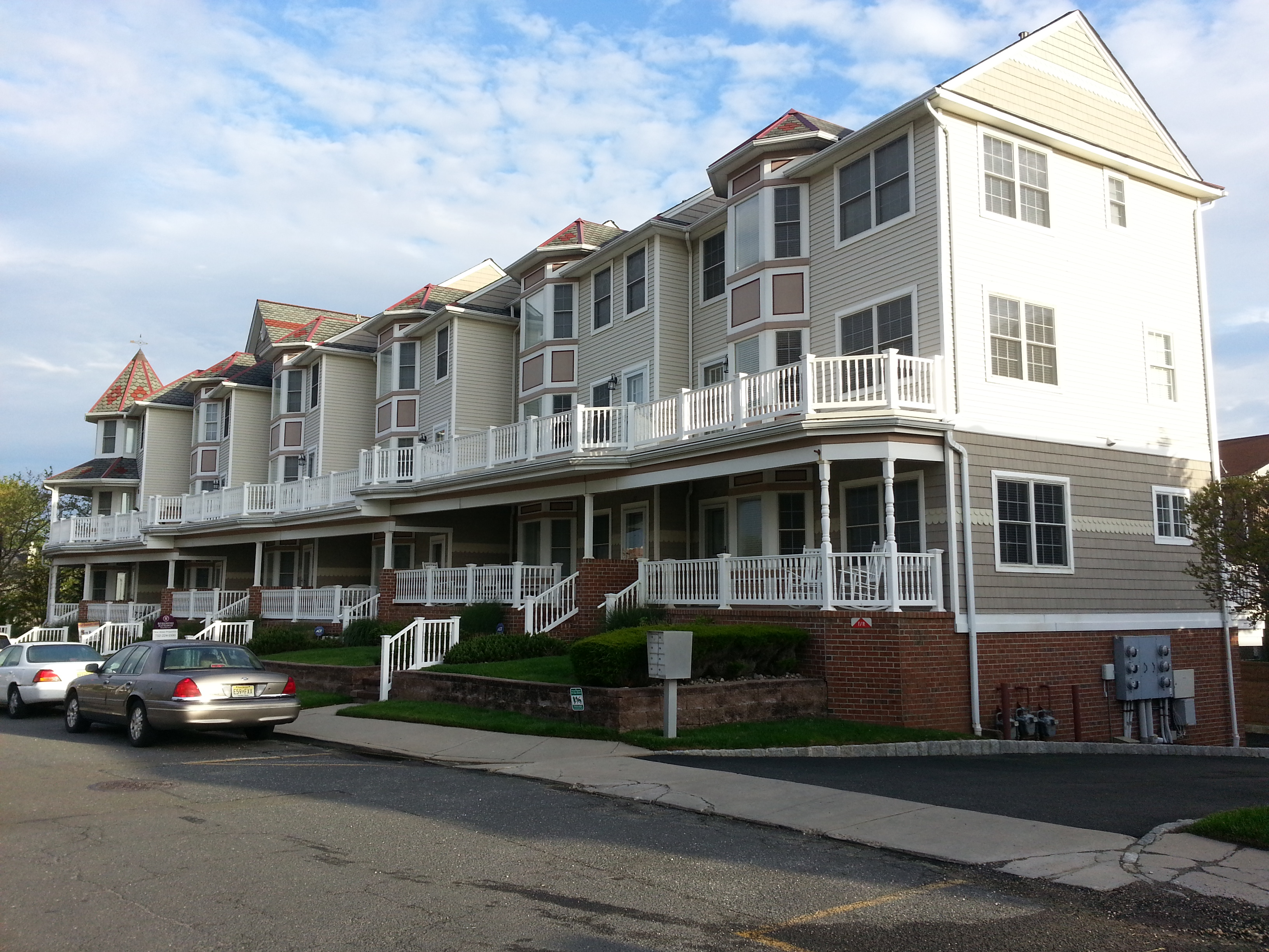 Pavilion Beach is a community of 6 townhouses at the corner of Ocean Blvd. and Pavilion Ave.