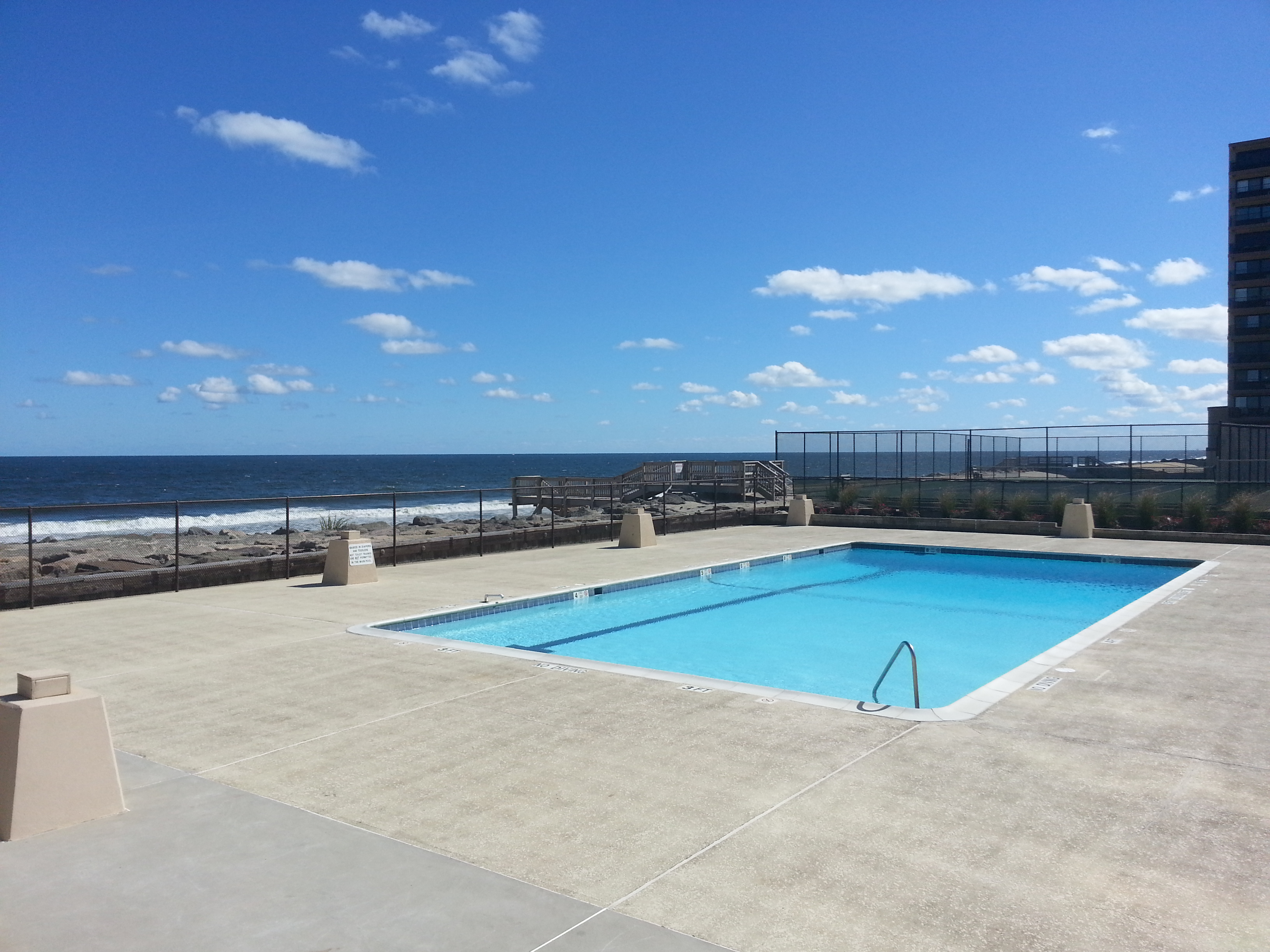 At the south end of The Admiralty is this community pool overlooking the beach and ocean.