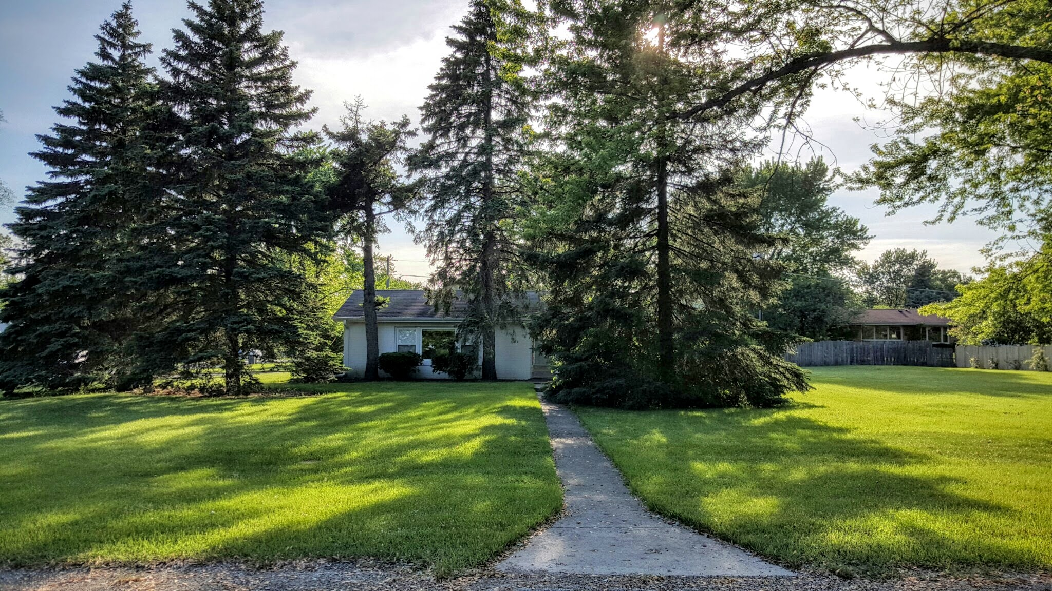320 Hickory Ct, Northbrook, IL 60062 Exterior East