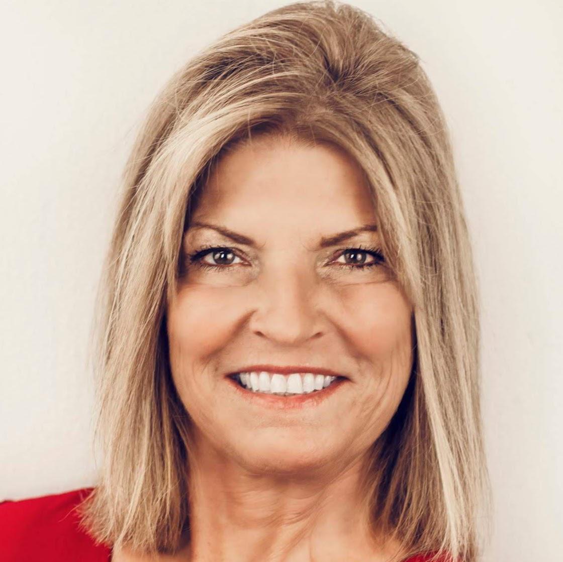 Lynne Roberts