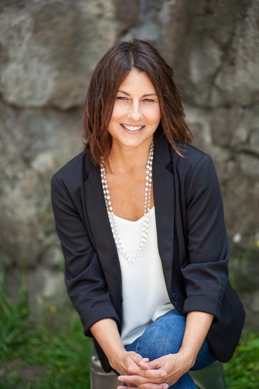 Lisa Lowary