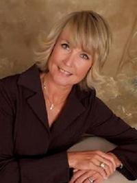 Carolyn  Hannum