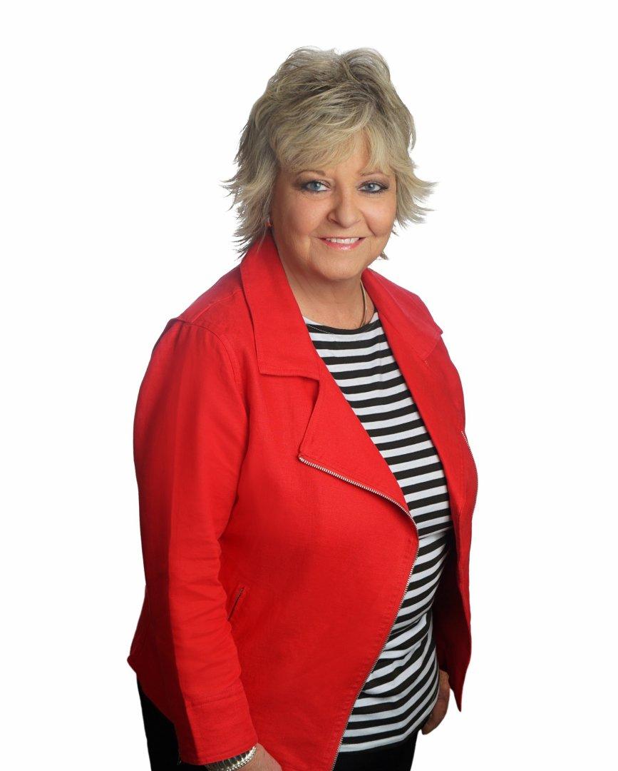 Lynne Kitchens