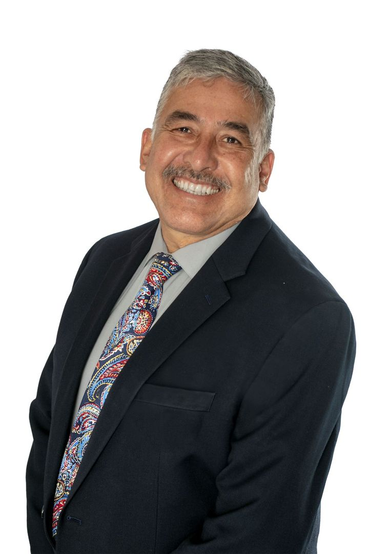 Gabriel Leos