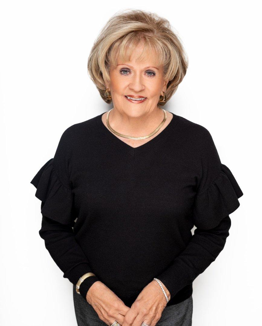 Vivian Black, Manager