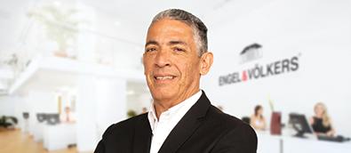 Salvador Uribe