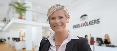Christina V. Aigner