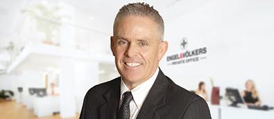Mark D Evernden