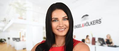 Izabela Rowe