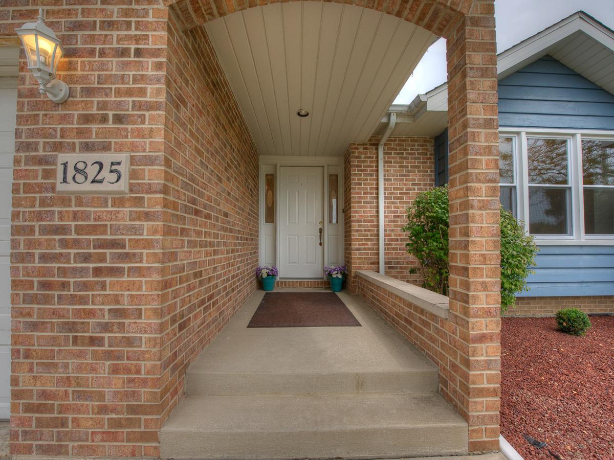 1825 Lakeview Schererville,Indiana, Realtor, Bill Port, Rachel Port, 219-613-7527, Broker, Agent