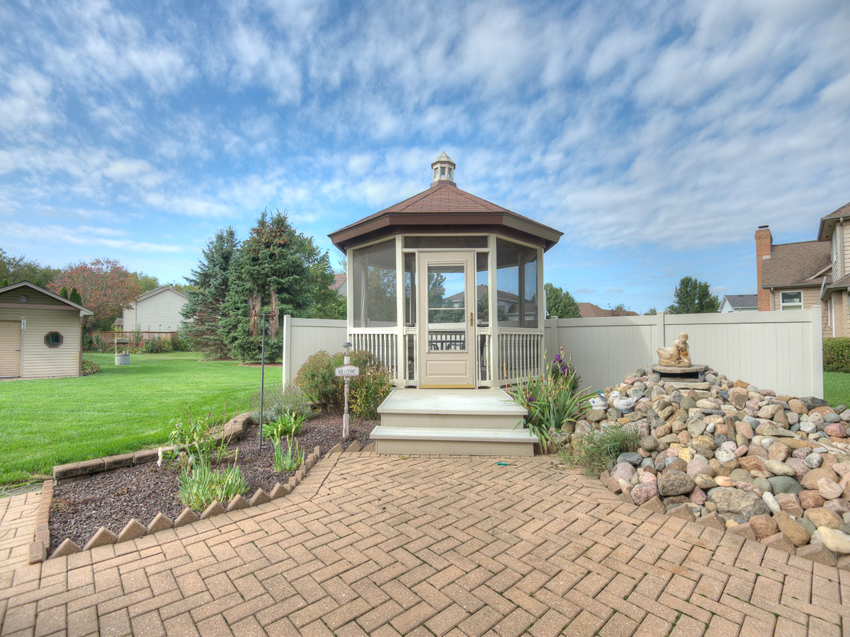 334 Brighton Crete IL gazebo photo video For Sale Remax Listing Broker