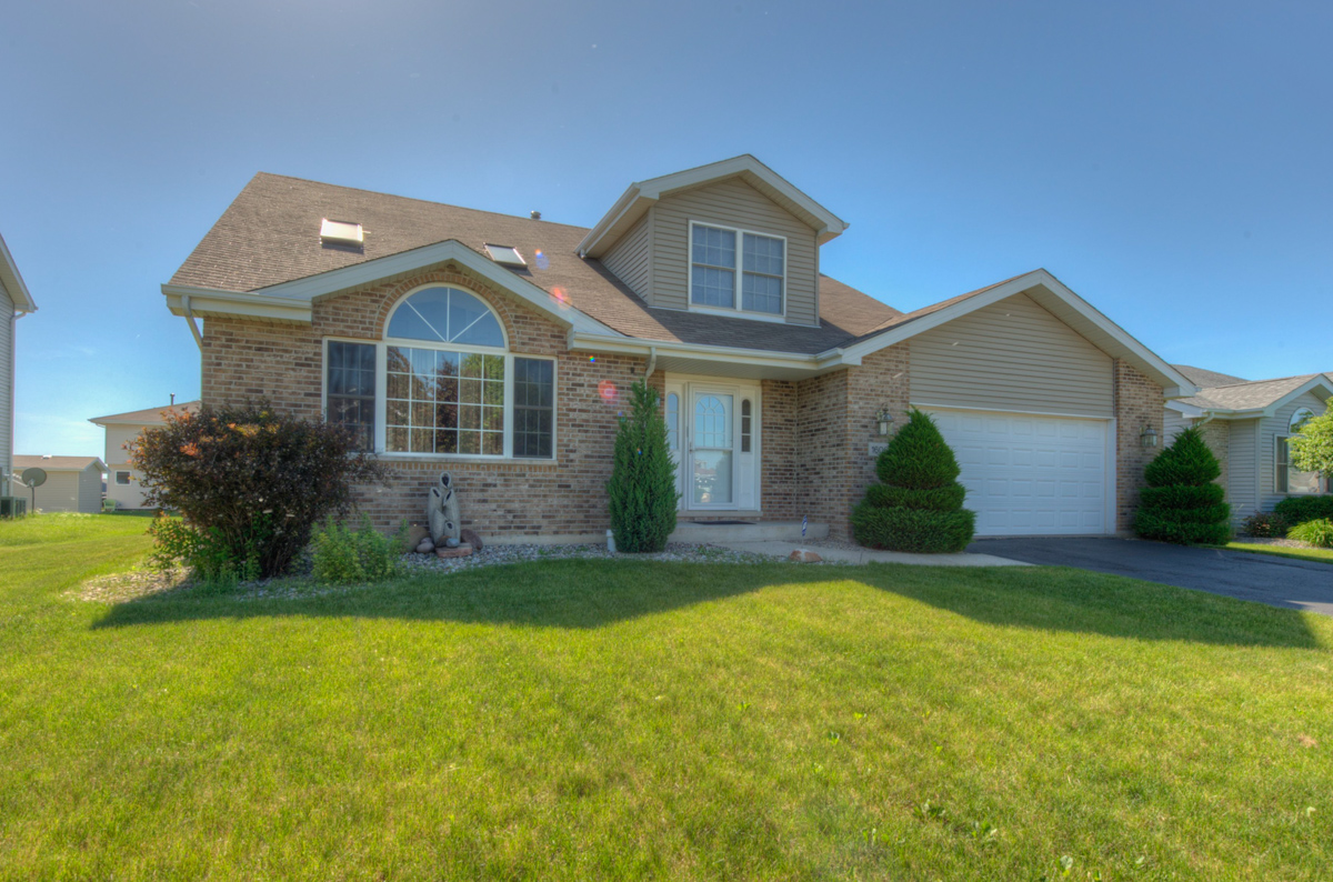 1606 Foxhound, Beecher Realtor, Beecher IL, Hunters Chase, Bill Port, Rachel Port, 219-613-7527