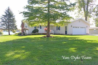 682 Lakeview Dr, Lake Odessa MI 48849