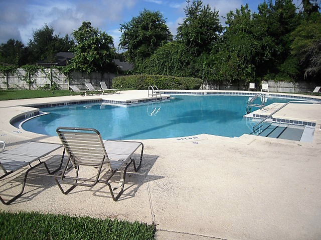 Oakbrook Pool