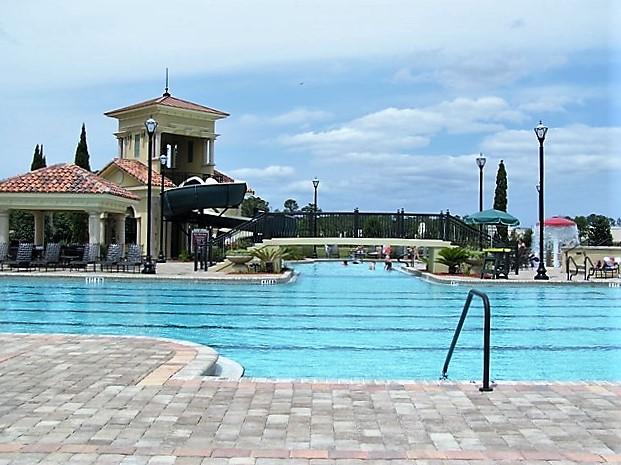 Murabella Pool