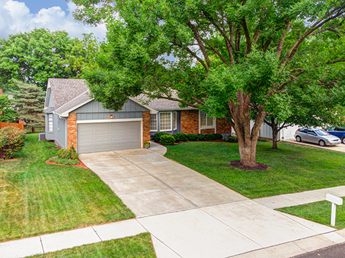 A True Ranch Home in Lenexa