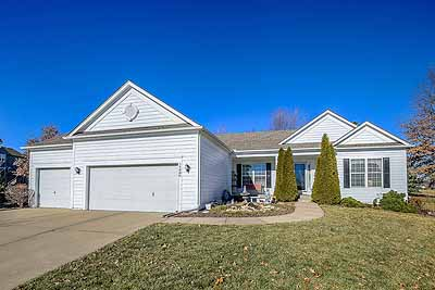 Olathe ranch home for only $310,000 -- 3-car garage and 1,776 sf basement too!