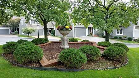 Beautiful landscaping at Mission Pines