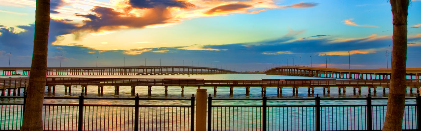 Outdoor walkway along the bay in Tampa Bay, Florida
