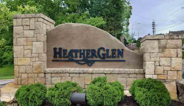Heather Glen Sign