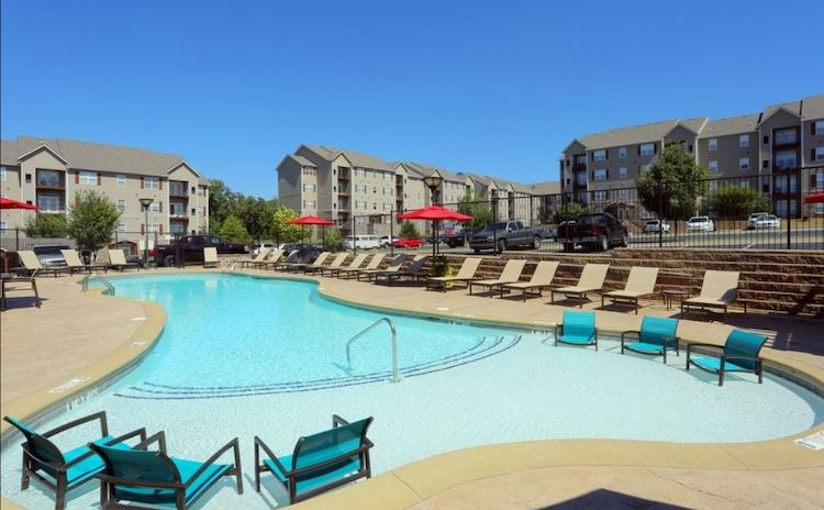 View of Mountain Ranch apartment complex pool.