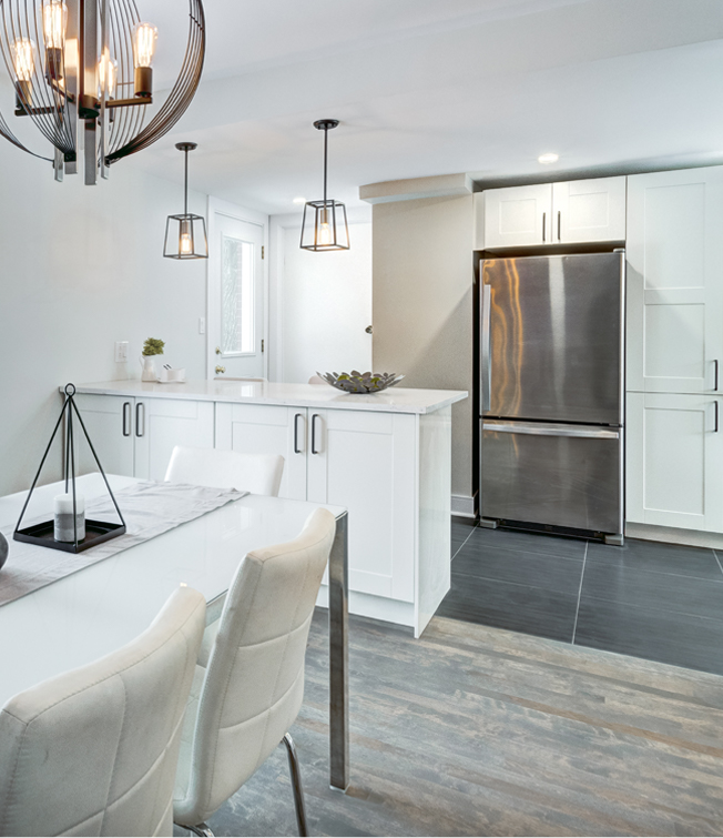A townhome kitchen and dining area