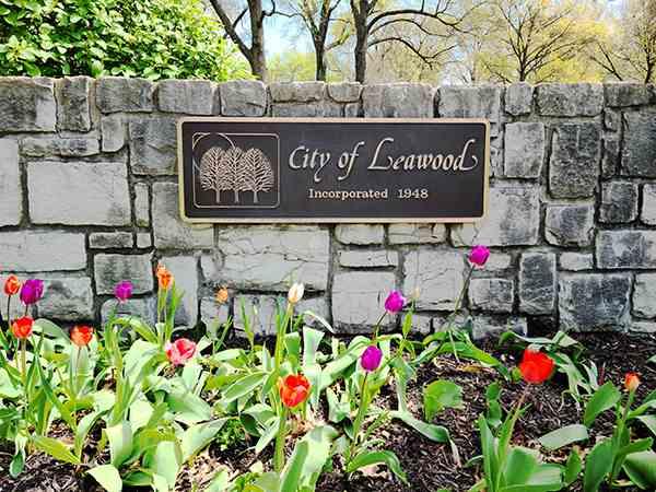 Leawood, Kansas monument sign at Lee Boulevard
