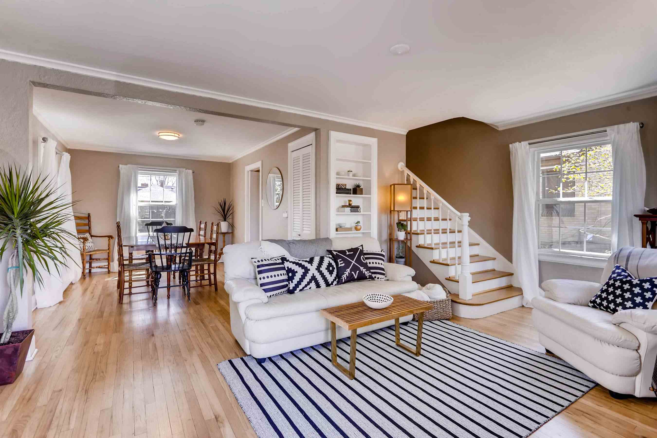 3__1292_Forest_Street_Mayfair_home_for_sale_Britt_Armstrong_Tom_Gross_Team_Kentwood_real_estate.jpg.jpg