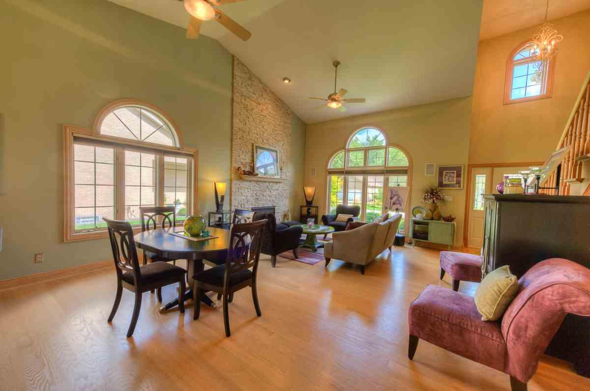 Town Home For Sale, 915 Troon Court, Schererville, Indiana, IN, Bill Port, Rachel Port, RE/MAX, Realtors