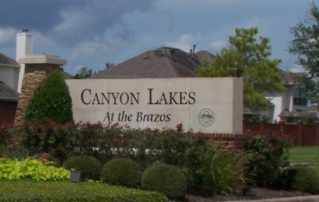 Canyon Lakes sign