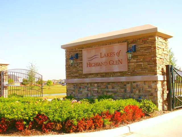 The Lakes at Highland Glen | Homes for sale | Pearland Texas | Cindy