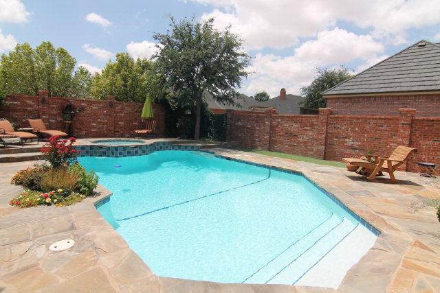 Lubbock homes for sale pools pool homes for Houses for sale pool