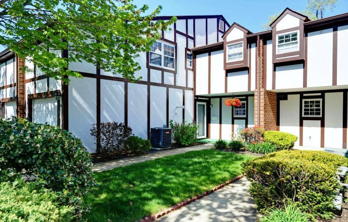 Fairway Mews Condominium Unit