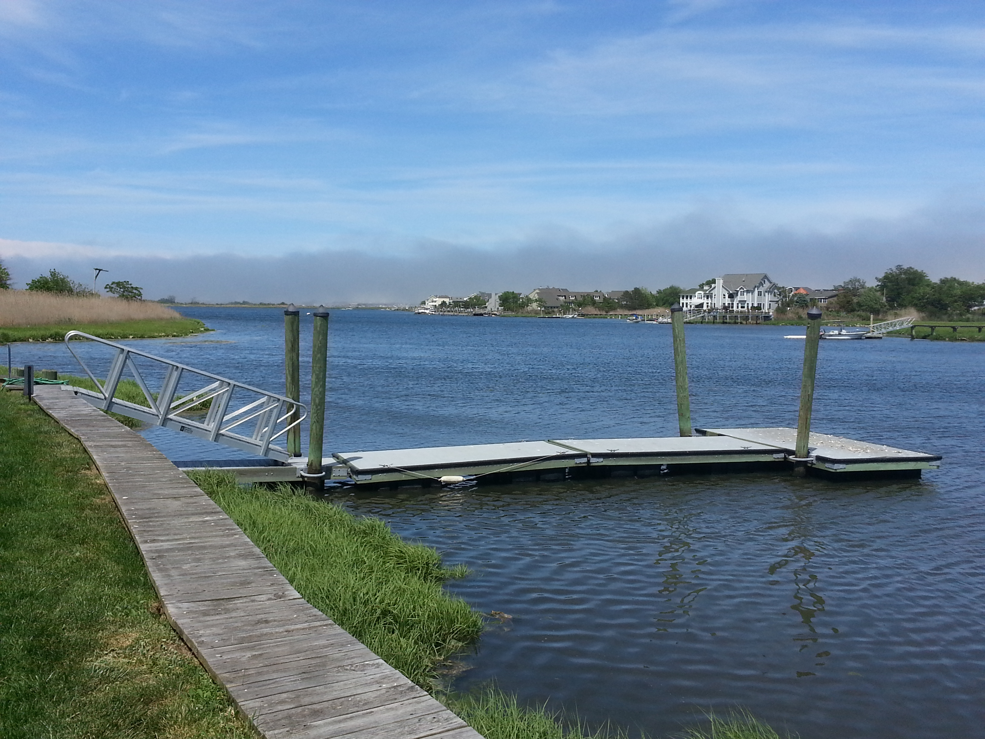 Sands Point North has a community dock where residents can moor boats.