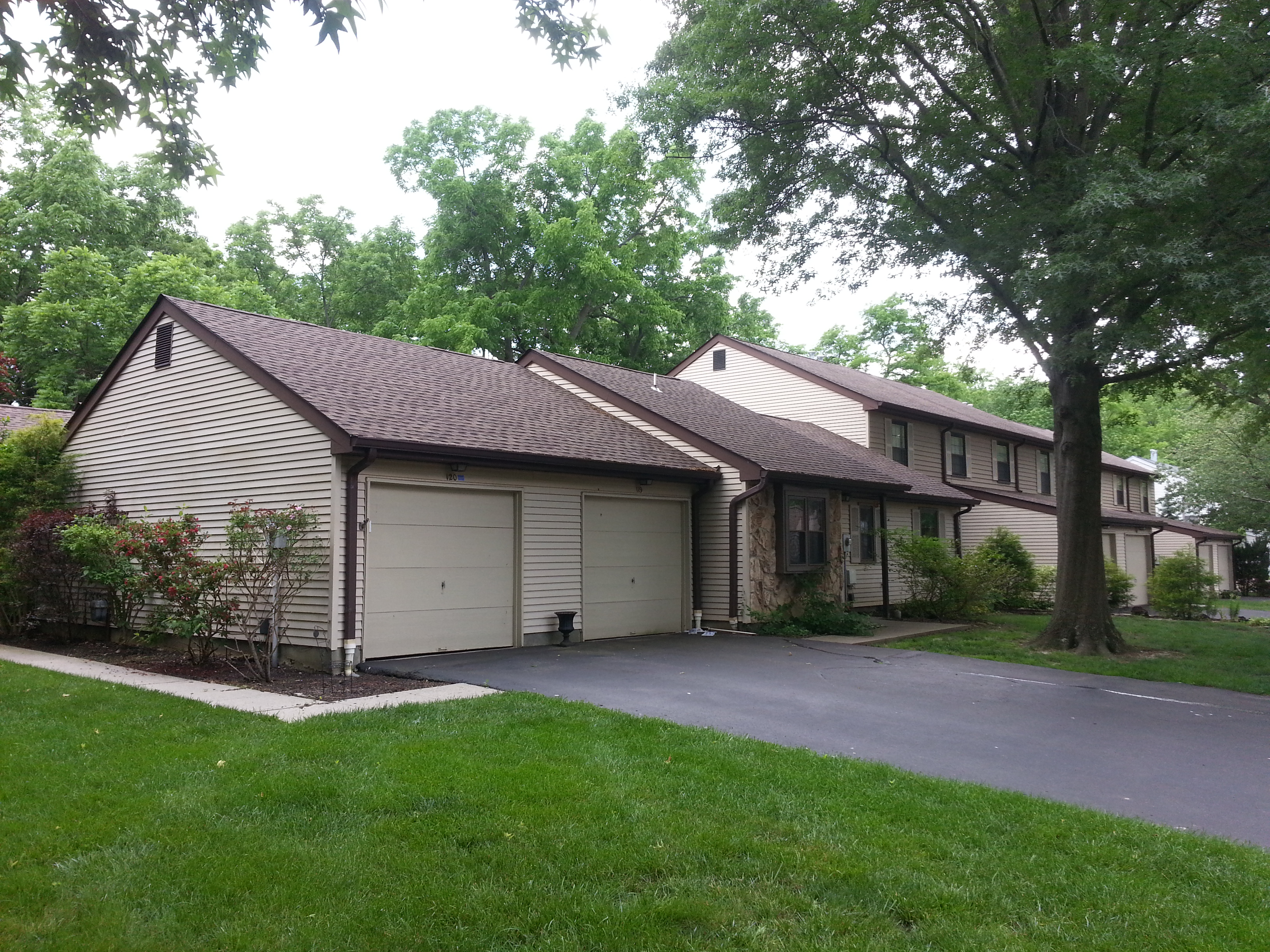 Kimberly Woods in Oceanport NJ has both townhouse and ranch style condos.