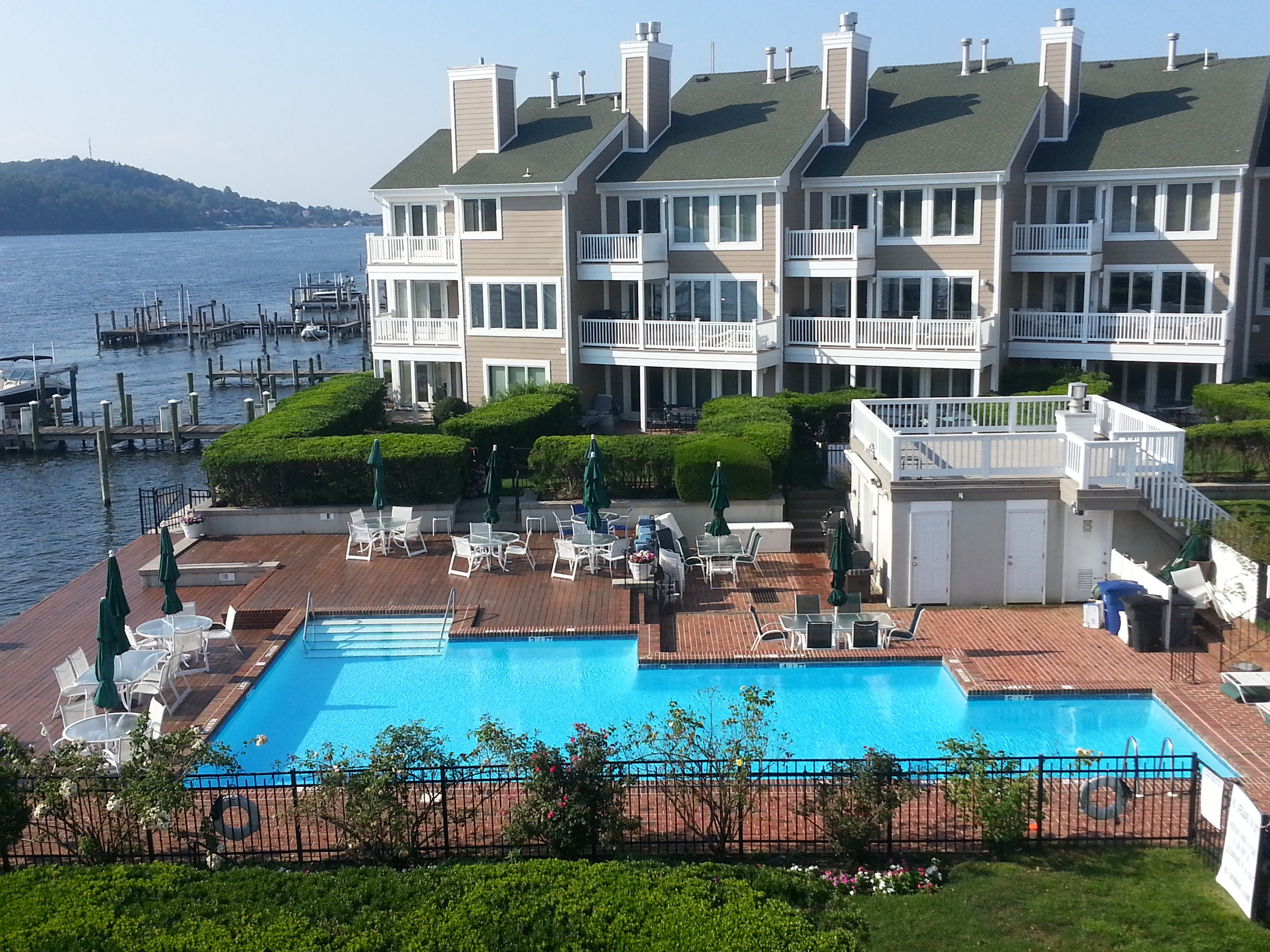 Conveniently located in the center of the complex and overlooking the Shrewsbury River is this pool.