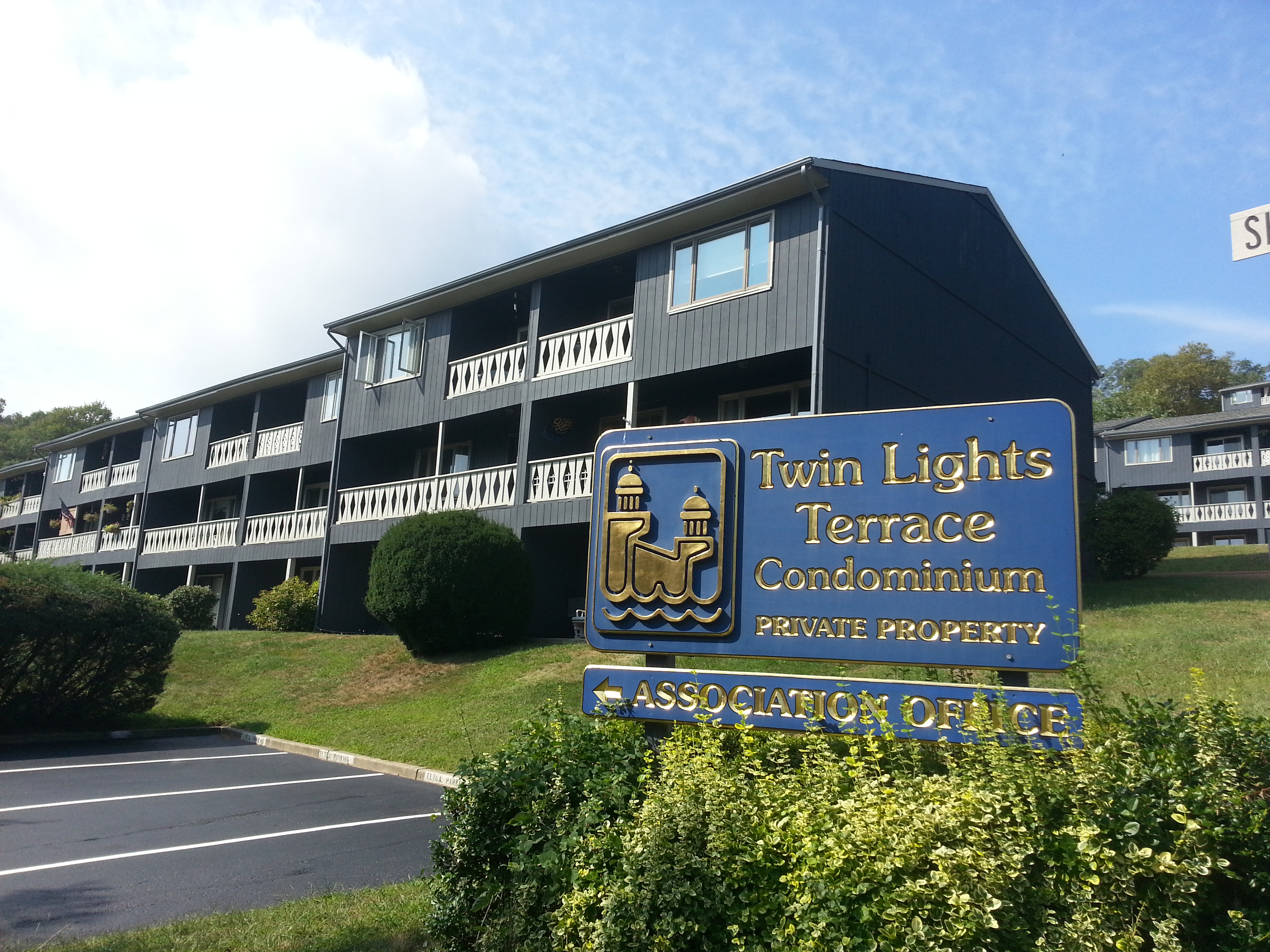 Twin Lights Terrace is a community of one and two bedroom condos overlooking the ocean and river.