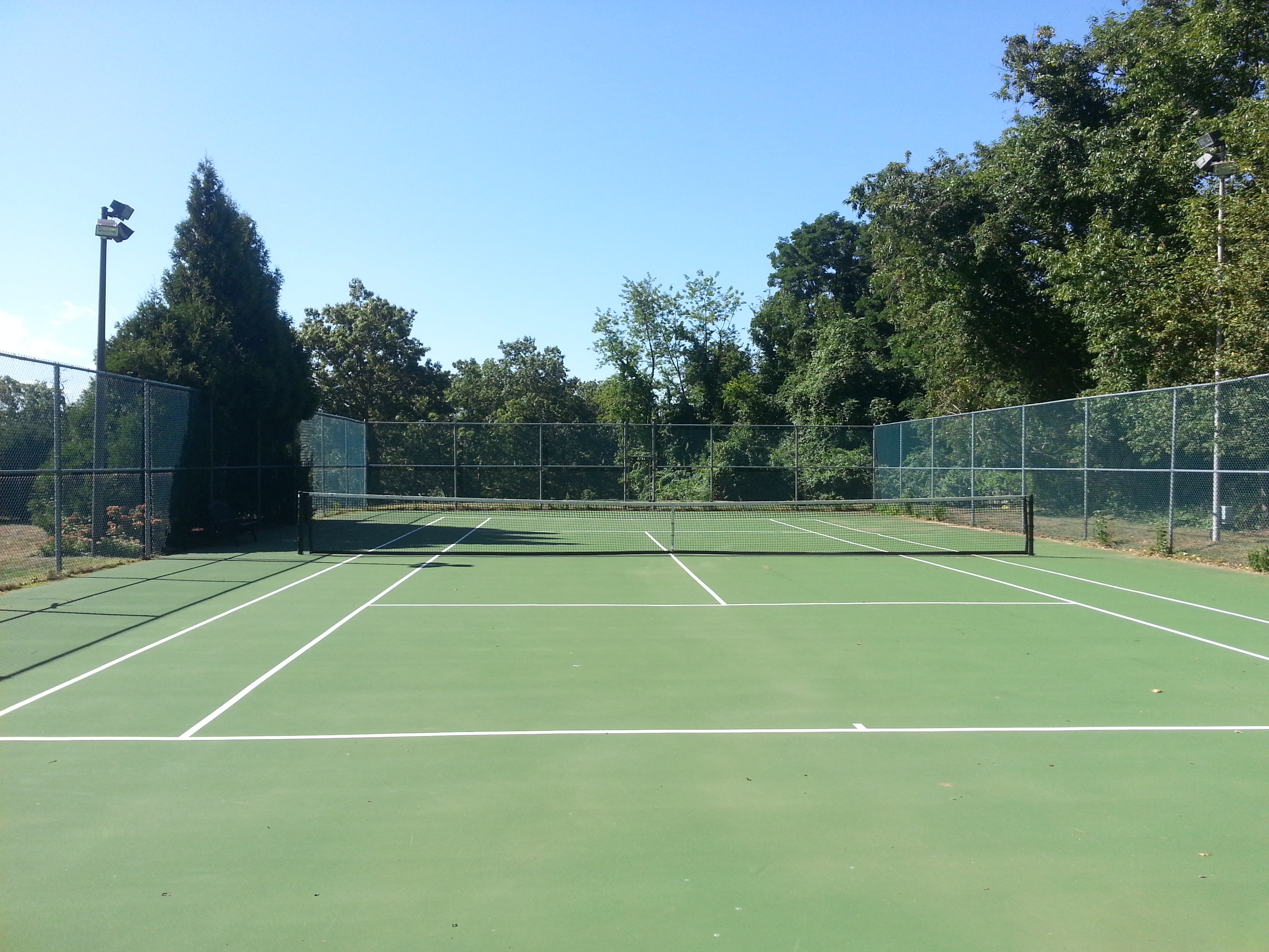 Among the amenities at Easpointe is this tennis court located next to the pool.