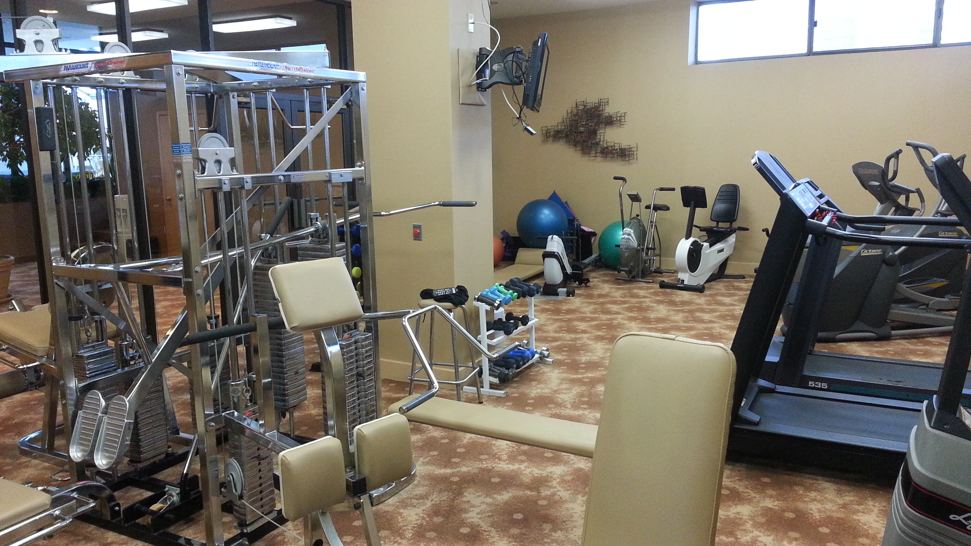 The Admiralty has this well light and equipped fitness room.