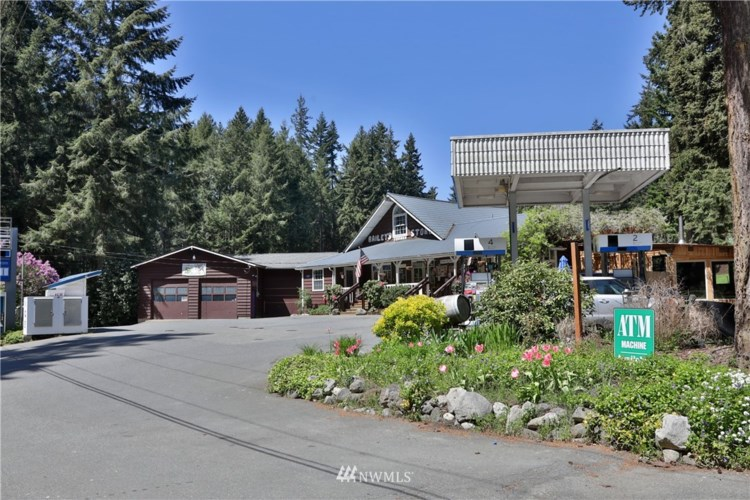 7695 Cultus Bay Road, Clinton, WA 98236