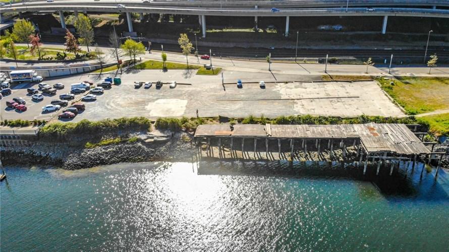 1179 Dock St, Tacoma, WA 98402