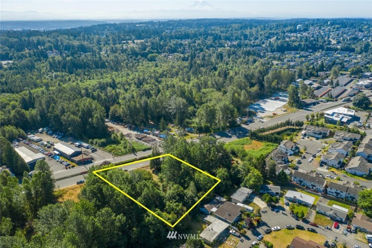 26607 Pacific Highway S, Des Moines, WA 98198