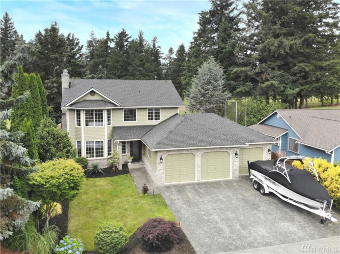 25803 Lake Wilderness Country Club Drive SE, Maple Valley, WA 98038
